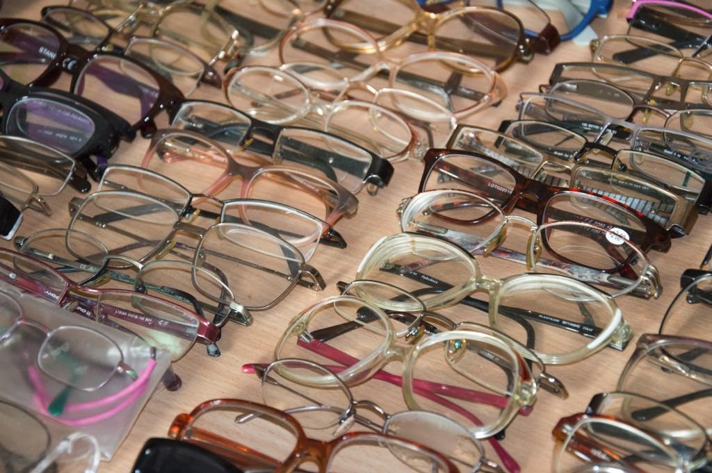 9bc3a37934511 ... roku w wojnie domowej państwie większość mieszkańców nie ma możliwości  skorzystania z usług okulisty. Ponadto koszt zakupu okularów jest bardzo  wysoki